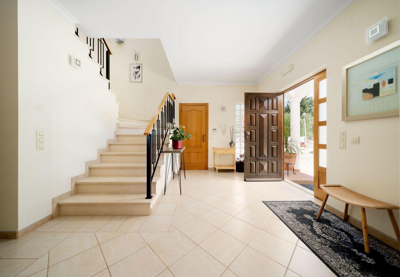 Villa em Luz - Vivenda | Wi-Fi | Ar Condicionado | Piscina Privada | Jardim  [RLUZ20]