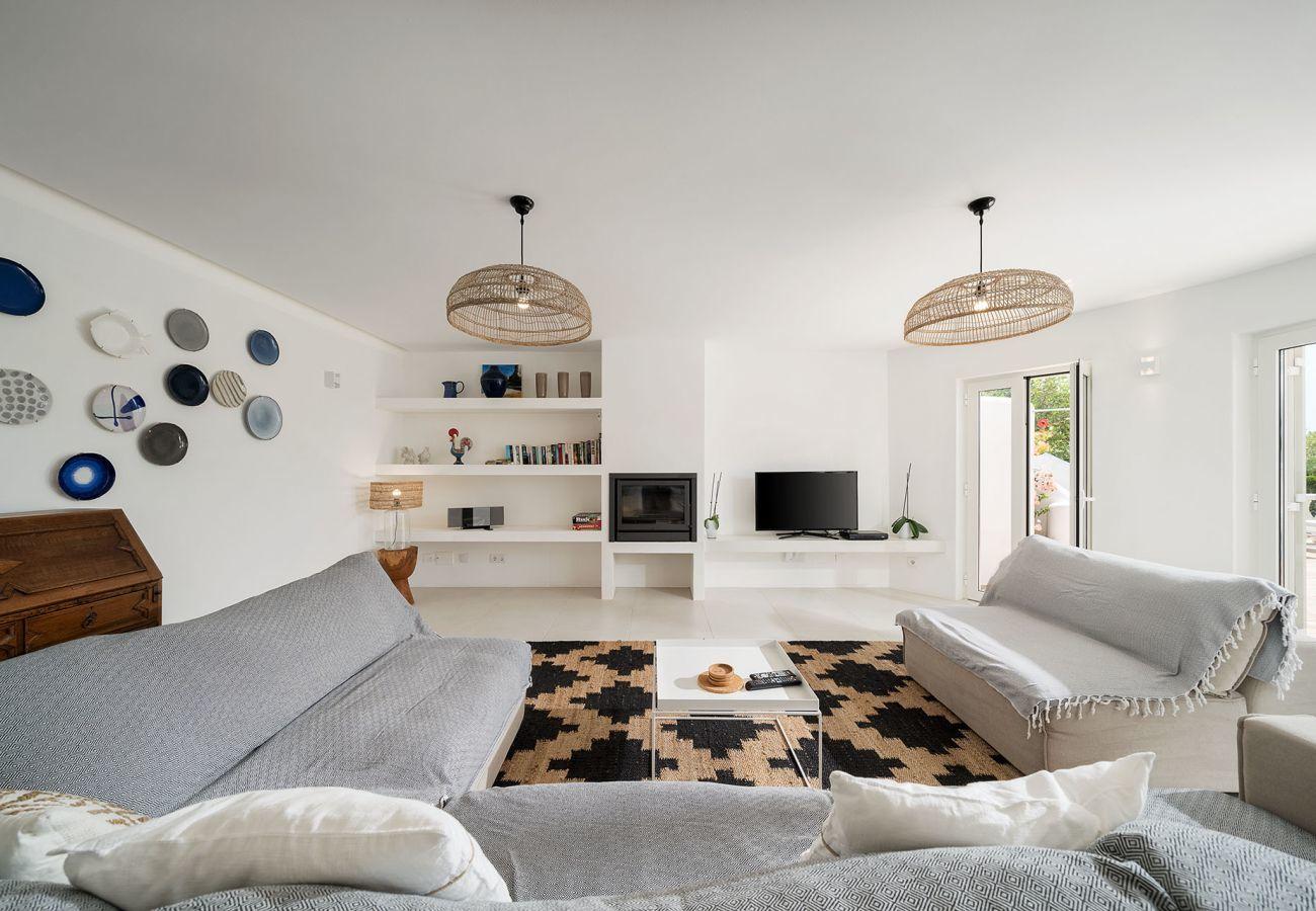 Villa em Lagos - Vivenda | Wi-Fi | Ar Condicionado | Piscina Privada [pode ser aquecida] | Jardim | Perto da Marina | Vista Mar [RLAG57]