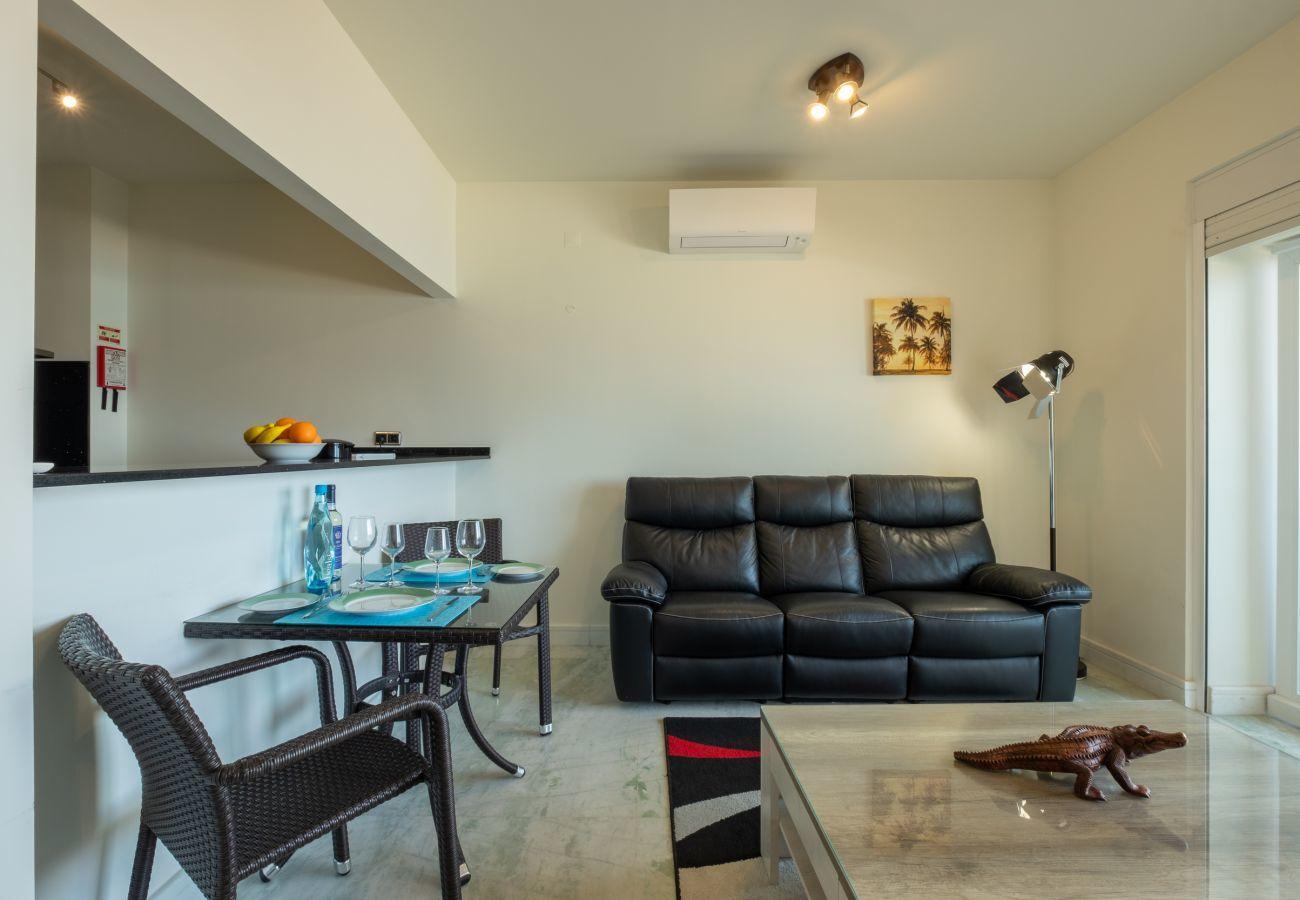 Apartamento em Lagos - Apartamento | Wi-Fi | Ar Condicionado | 50m da Praia | Vista Mar [RLAG80]