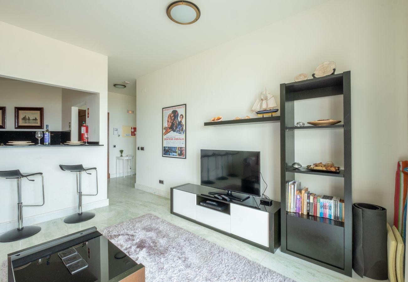 Apartamento em Lagos - Apartamento | Internet de Alta Velocidade | Ar Condicionado | 50m da Praia | Vista Mar [RLAG53]