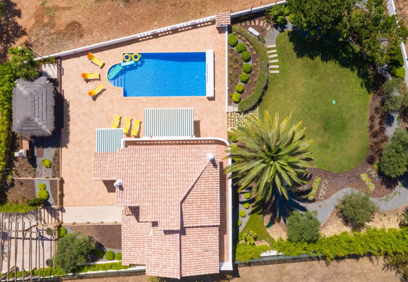 Villa em Budens - Vivenda   Wi-Fi   Ar Condicionado   Piscina Privada [pode ser aquecida]   Jardim [RVDB01]