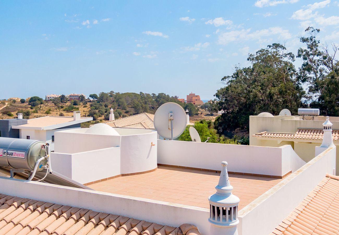 Villa em Lagos - Vivenda   Wi-Fi   Ar Condicionado   Piscina Privada [pode ser aquecida]  Ténis de Mesa   Sala de Fitness   Perto da Praia [RLAG83]