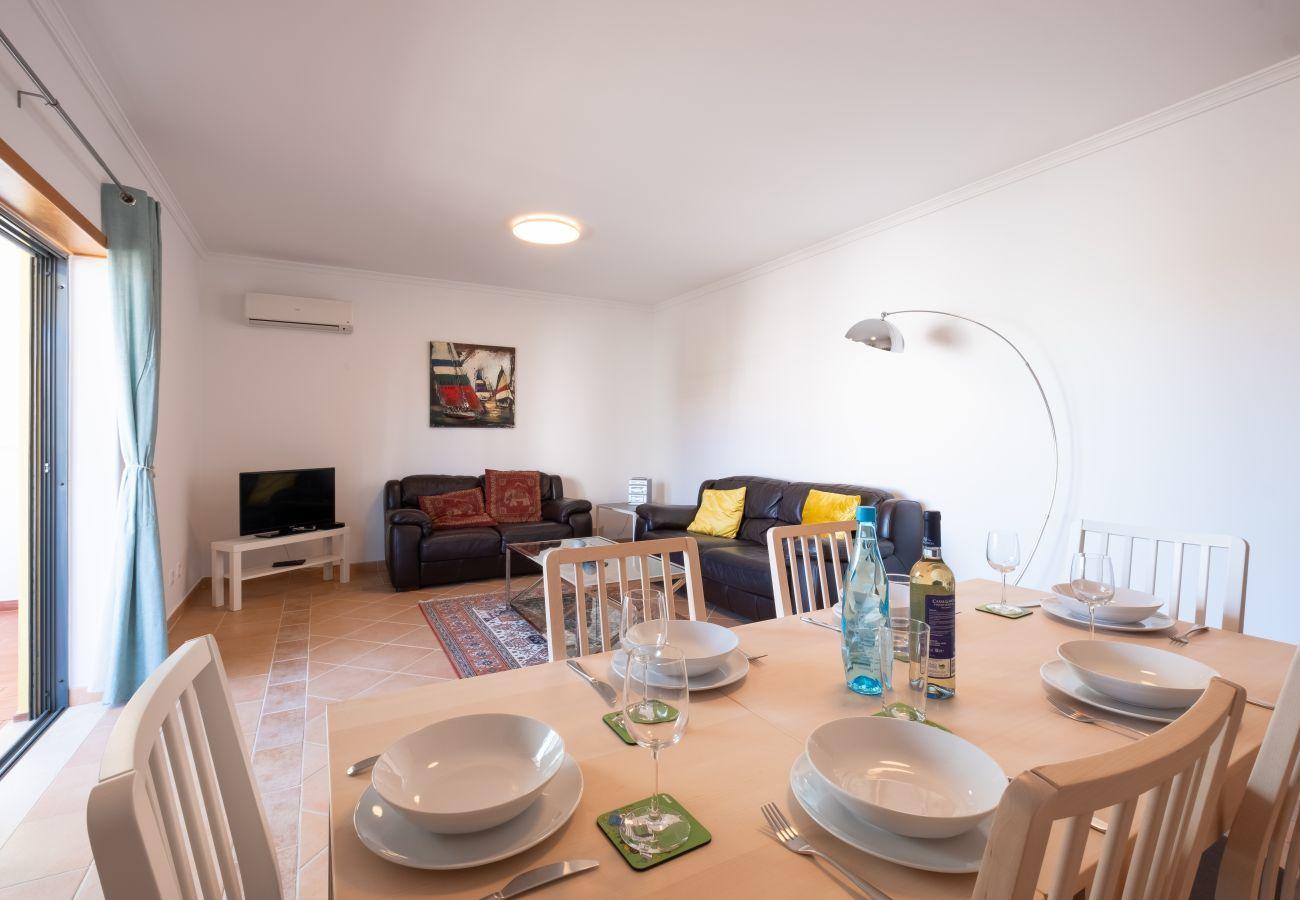 Apartamento em Lagos - Apartamento | Wi-Fi | Ar Condicionado | Piscina Partilhada | Perto do Centro Histórico | Vista Mar [RLAG102]