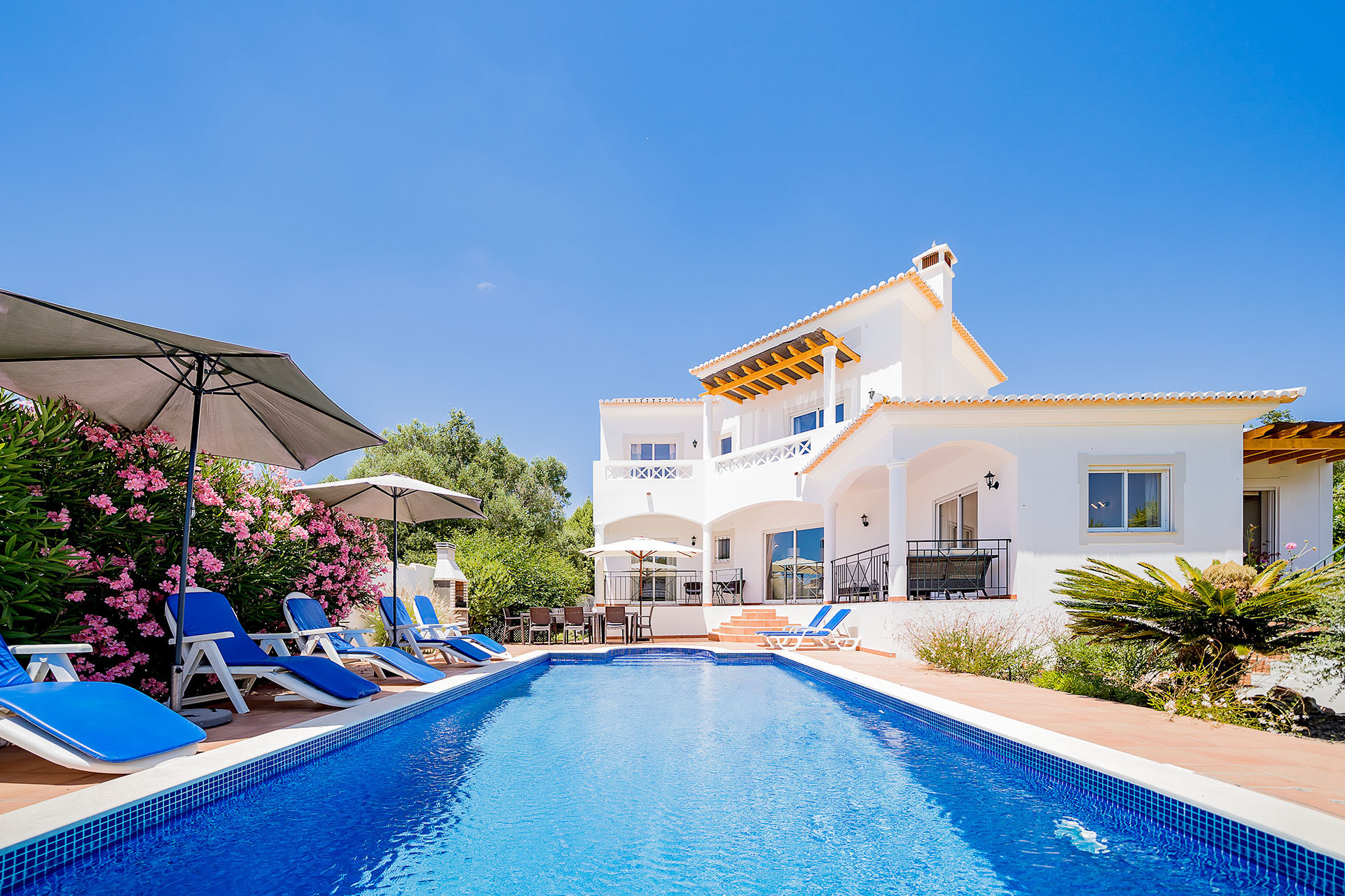 Villa/Dettached house in Luz - Villa with free Wi-Fi | A/C | private pool | garden [RLUZ20]