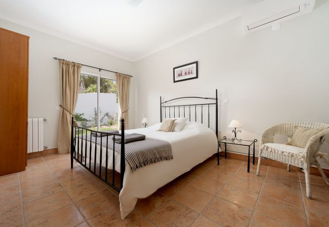 Villa in Lagos - RLAG101