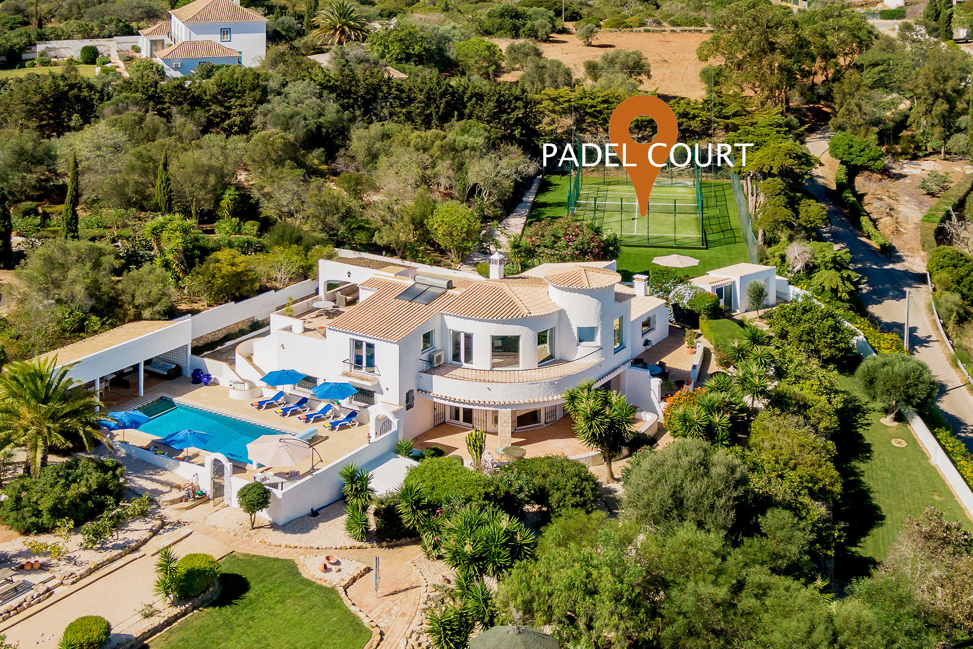 Villa/Dettached house in Lagos - Villa   High-Speed Internet   A/C   Padel Court   Boules Court   Putting Green   Heated Private Pool   Jacuzzi   Garden   Sea View   Secluded Villa [RLAG103]