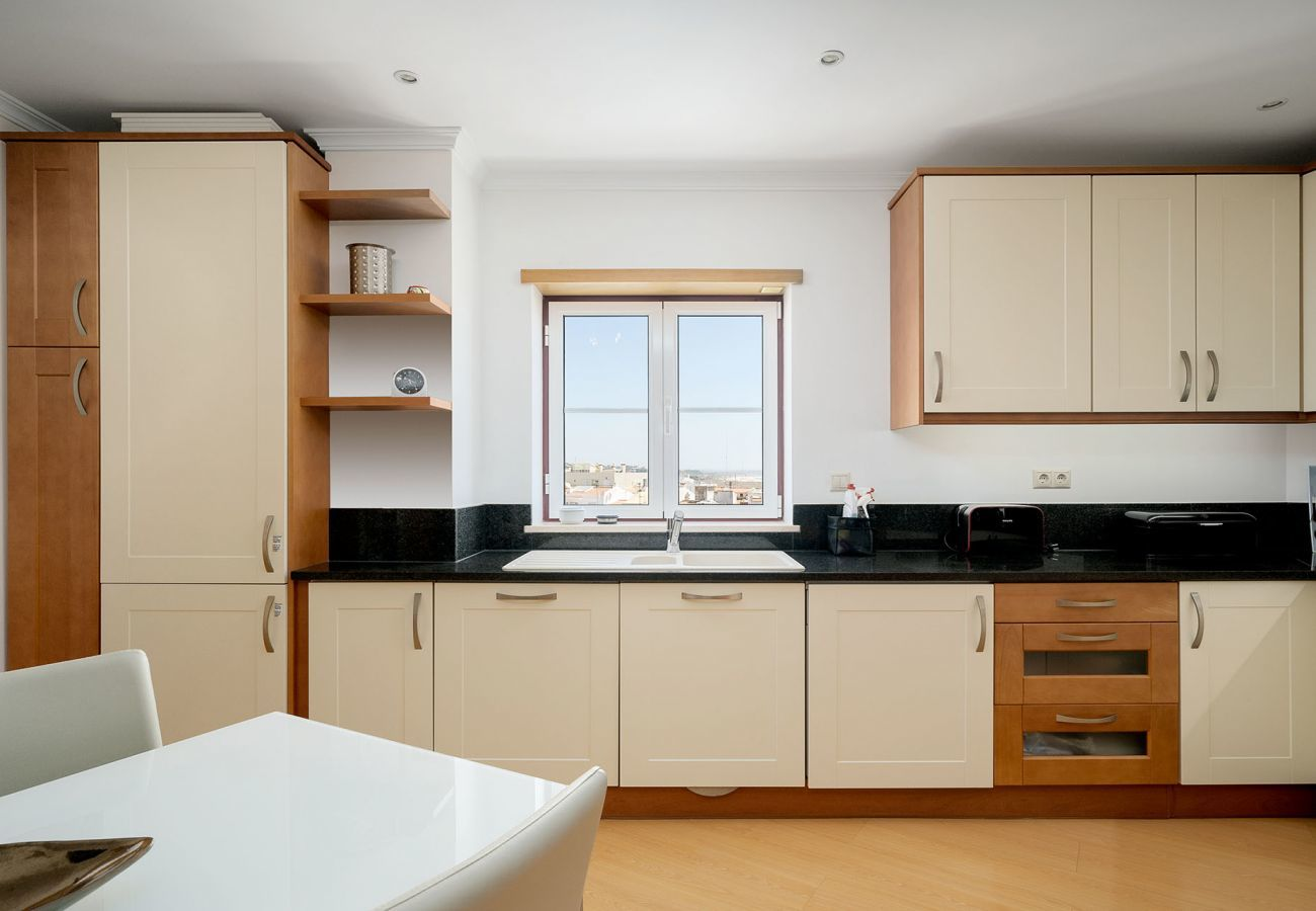 Apartment in Lagos - Apartment | Wi-Fi | A/C | Shared Pool | In Old Town | Sea View [RLAG61]