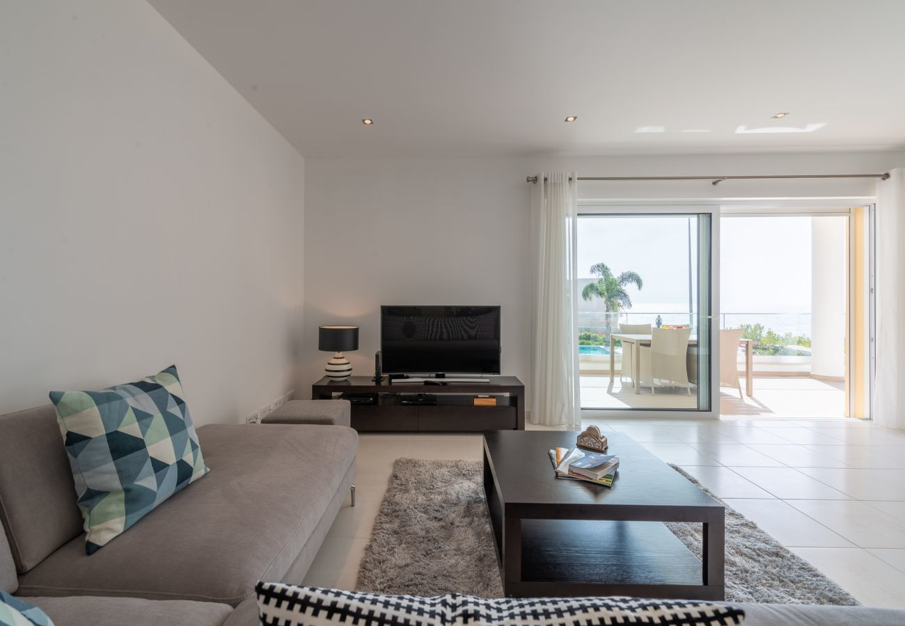 Apartment in Lagos - Apartment with free Wi-Fi | A/C | shared pool | near beach | sea view [RLAG85]