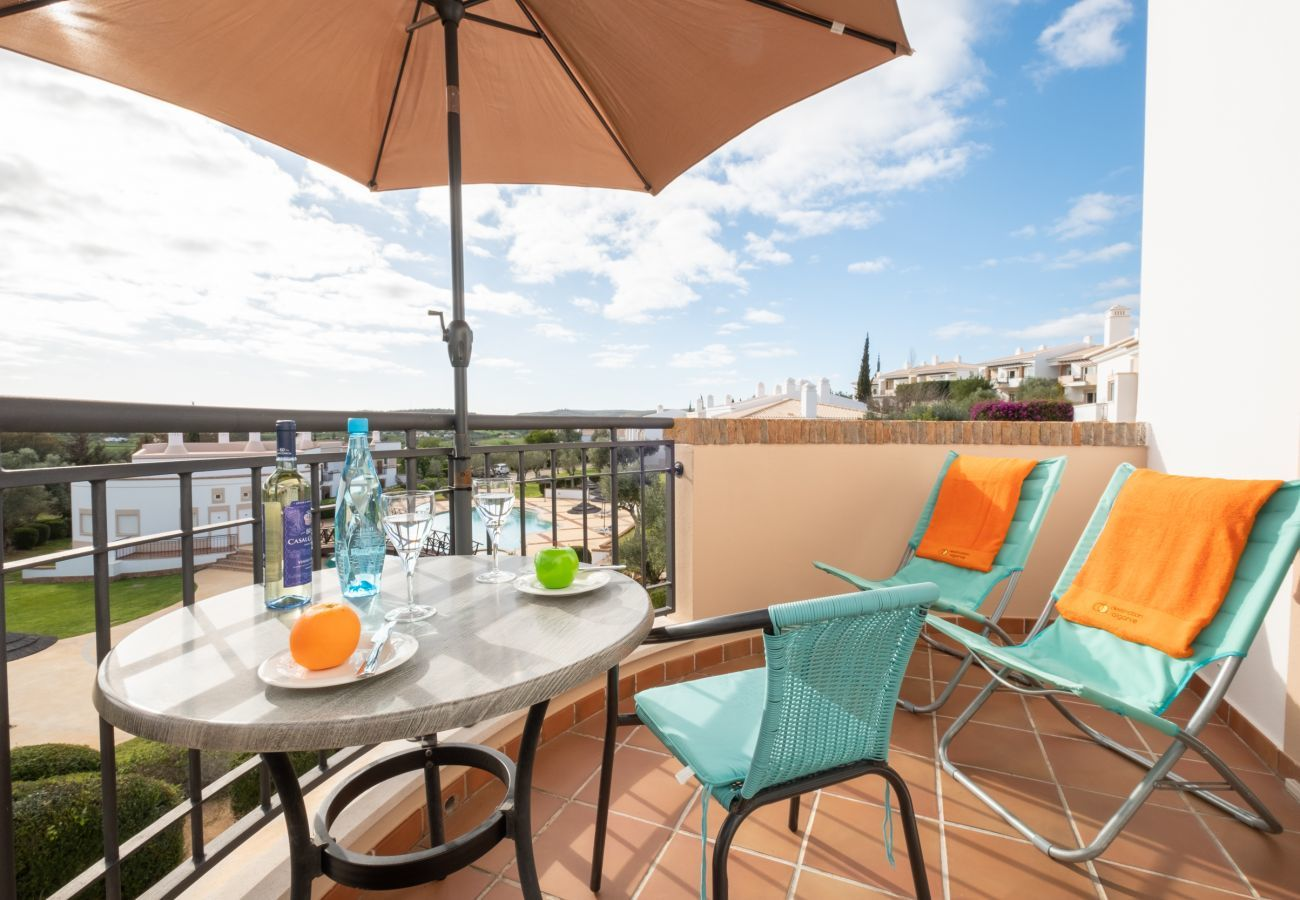 Apartment in Odiáxere - Apartment with free Wi-Fi | A/C | shared pool | garden [RVDRAD]