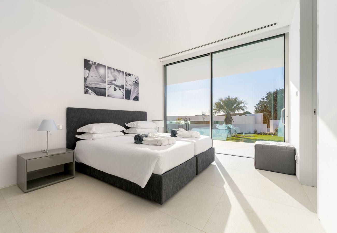 Villa in Lagos - Villa with high-speed Wi-Fi | Private Heated Pool | Gym access | Concierge service | near beach, restaurants, Spa, driving range [LUX MARE I]