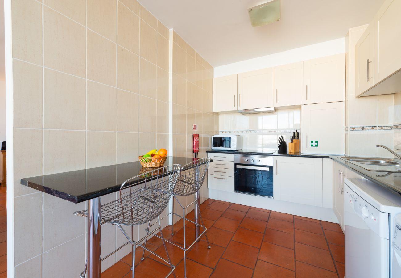 Apartment in Lagos - Apartment | Wi-Fi | A/C | Shared Pool | Near Marina, Town, Beach [RLAG96]
