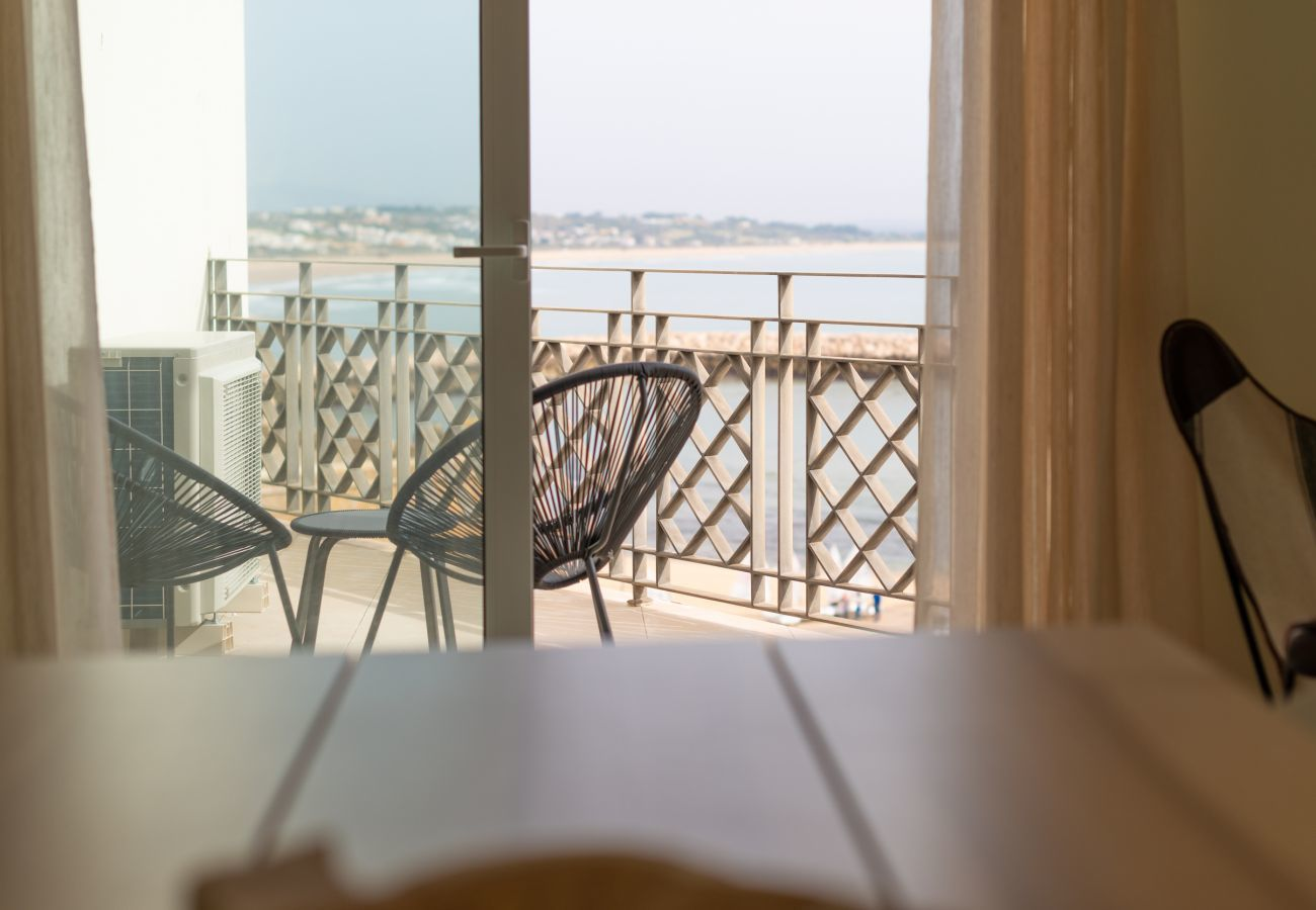 Apartment in Lagos - Apartment | High-Speed Internet | A/C | 50m From Beach | Sea View [RLAG99]
