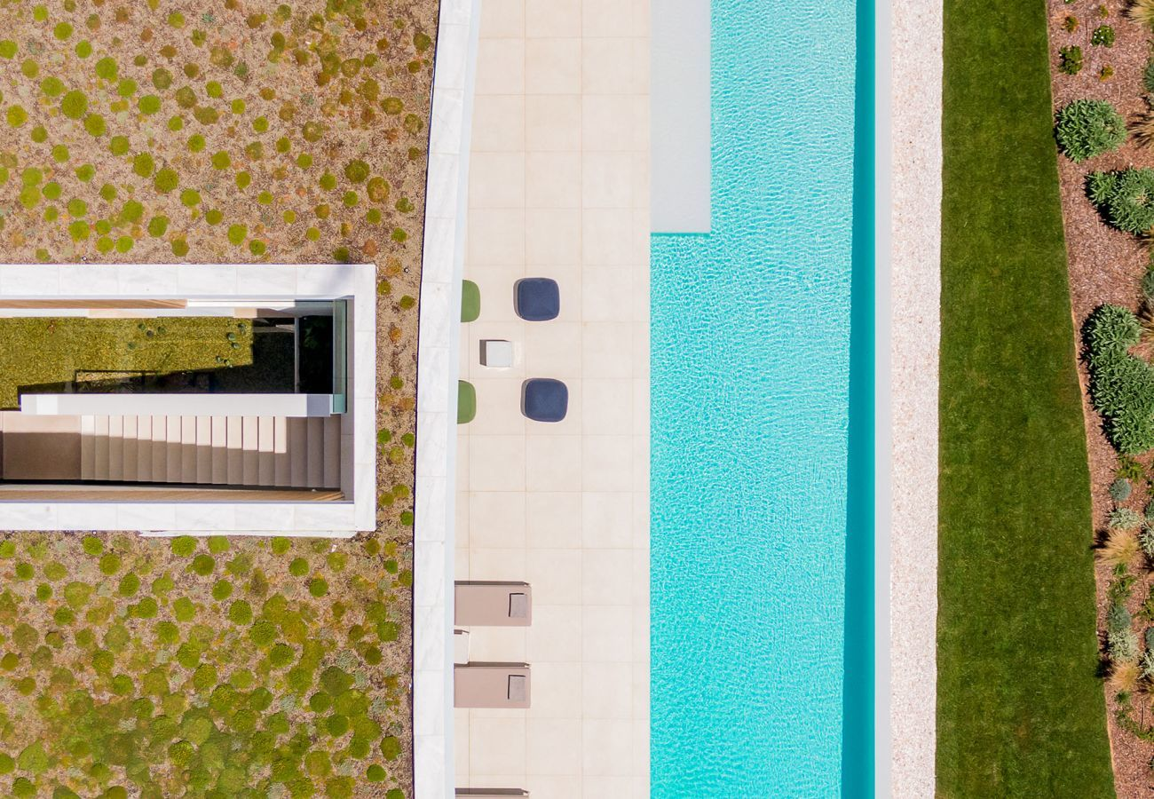 Villa in Lagos - Villa with high-speed Wi-Fi | Private Heated Pool | Cinema Room| Fitness Room | Pool Table | Concierge service | near beach, restaurants, Spa, driving range [LUX MARE II]