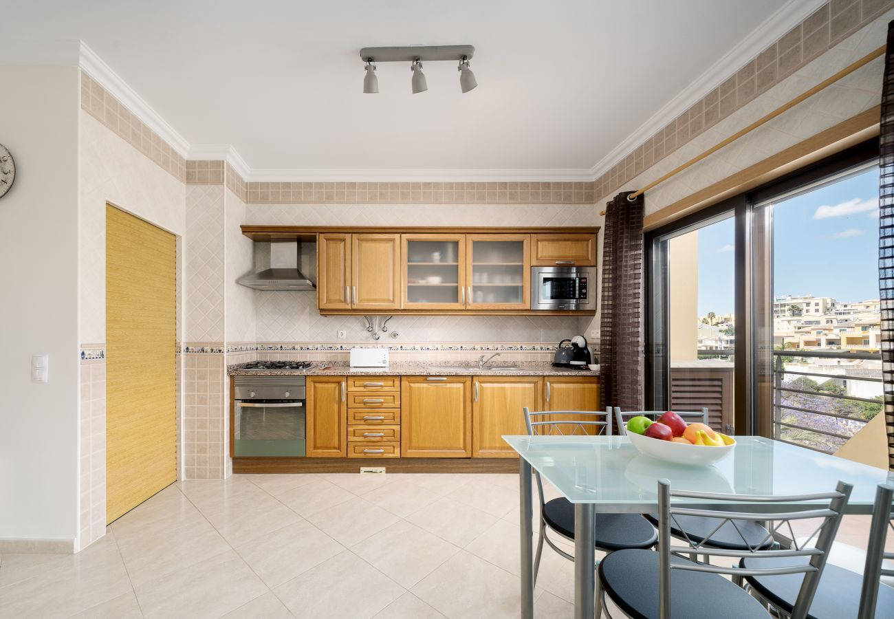 Apartment in Lagos - Apartment | Wi-Fi | A/C | Shared Pool | Private Roof Terrace | Near Town Centre [RLAG97]