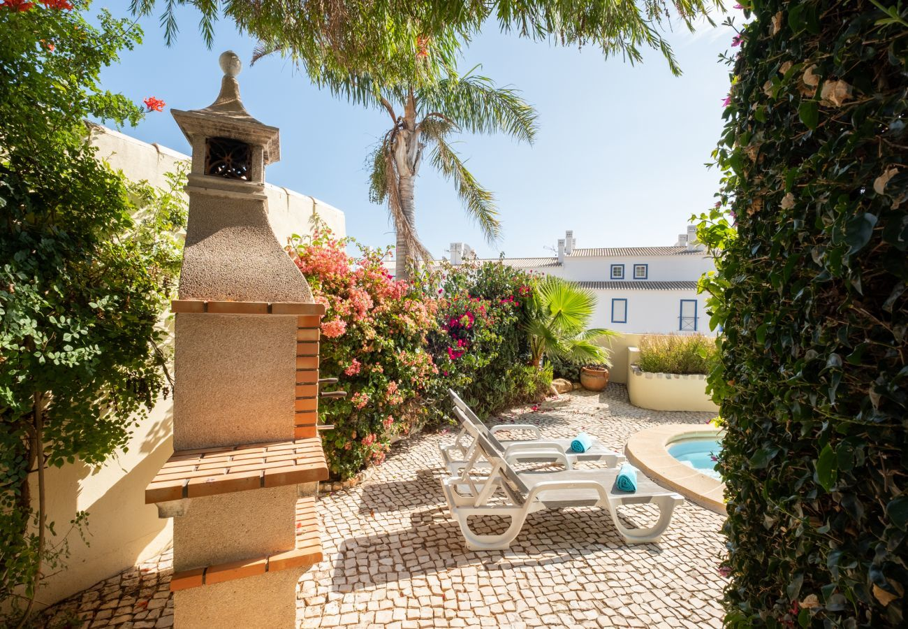 Villa in Lagos - Villa with free Wi-Fi | A/C | private pool [can be heated] | garden | near beach and town [RLUZ23]