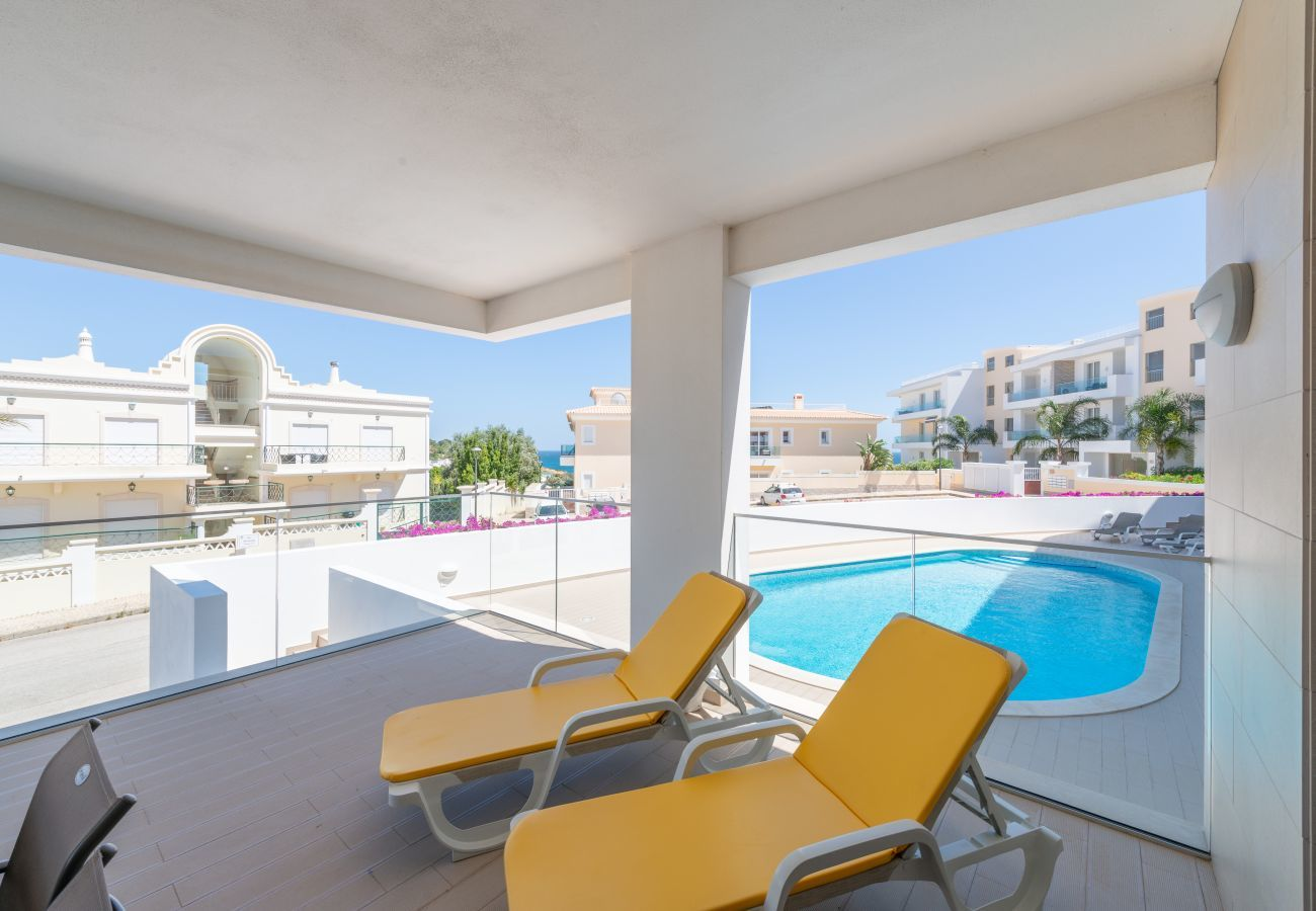 Apartment in Lagos - Apartment | Wi-Fi | A/C | Shared Pool | Near Beach [RLAG92]